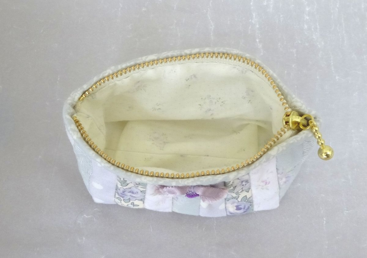 Pouch-099