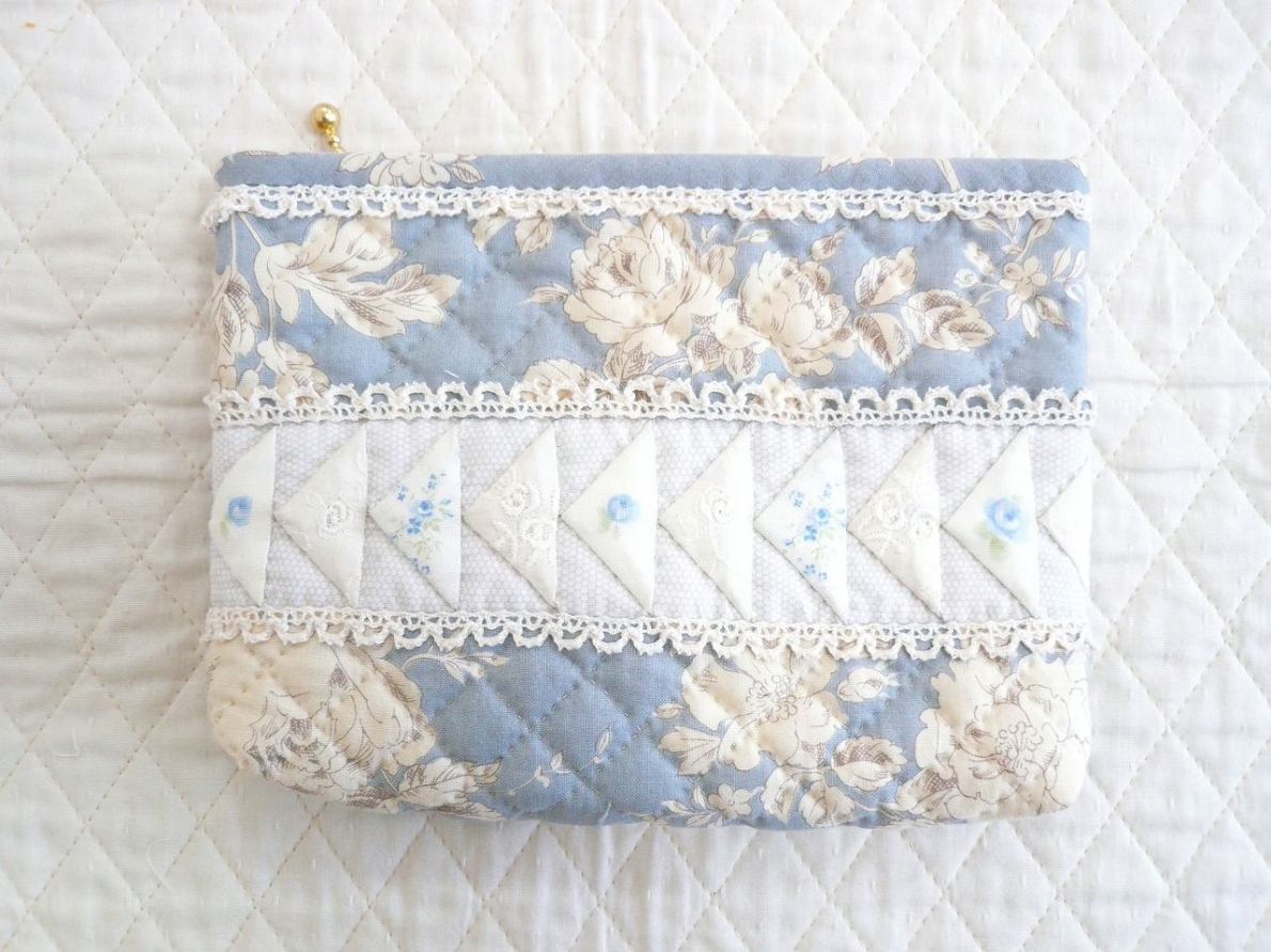 Pouch-016