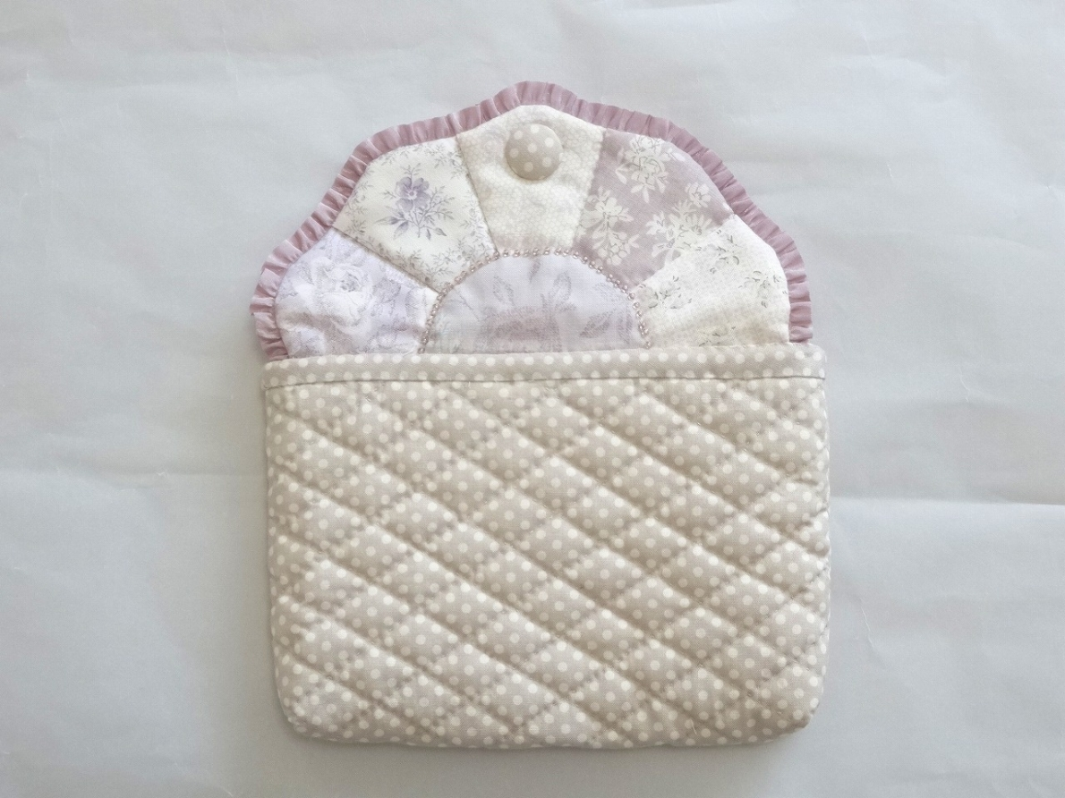 Pouch-043