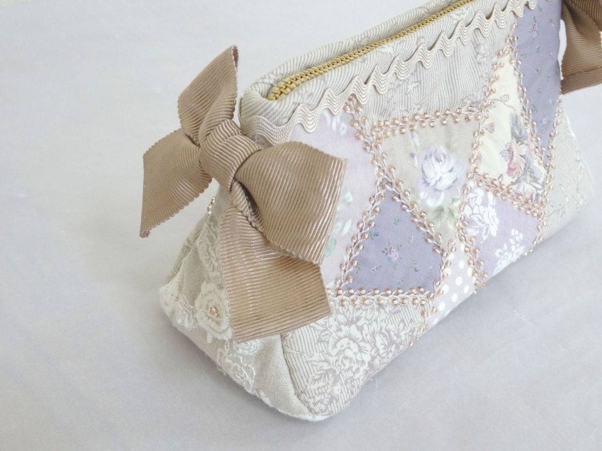 Pouch-087