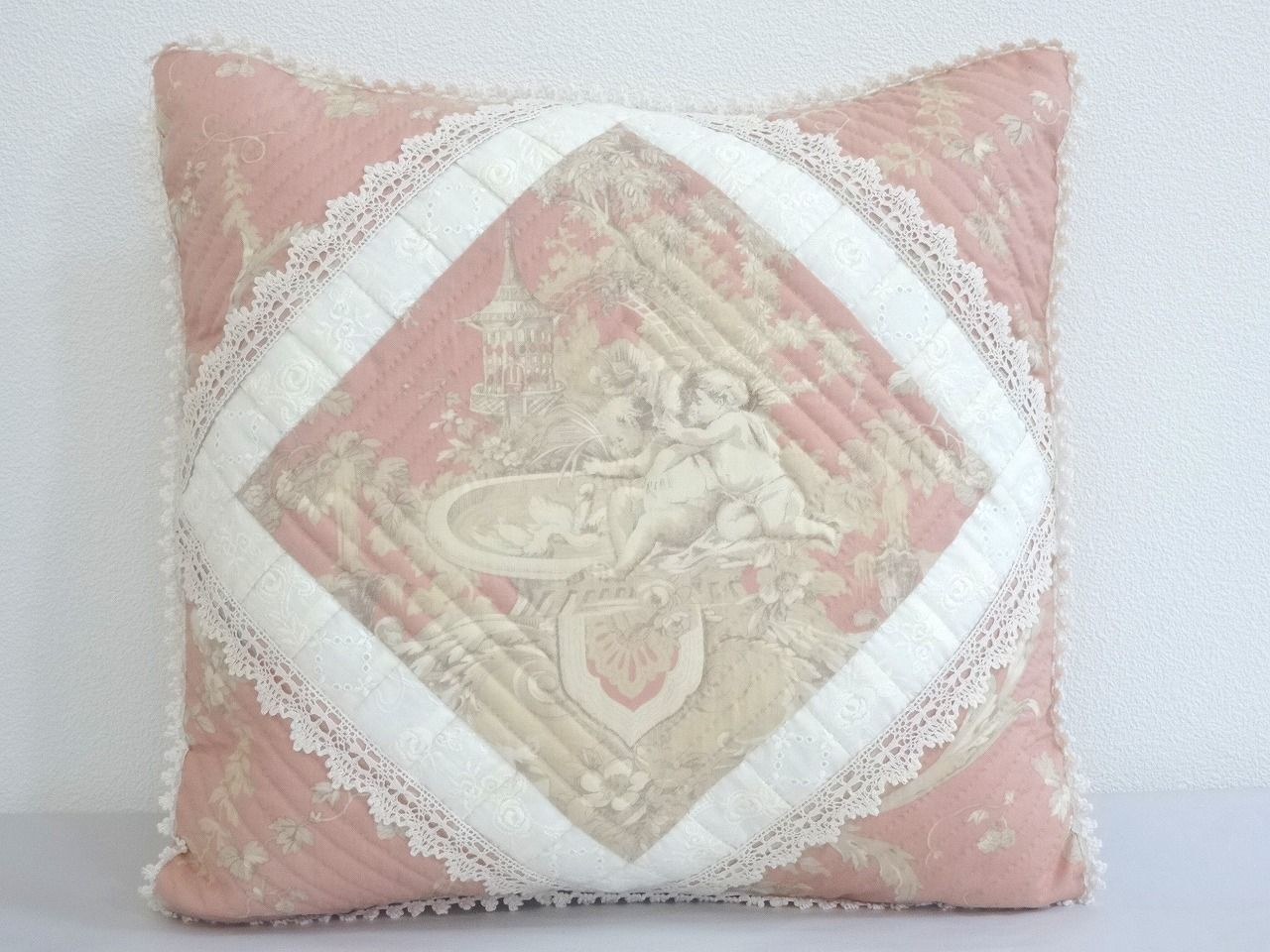 Cushion-037